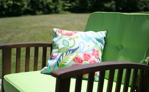 A-Guide-on-Cleaning-Your-Outdoor-Cushions-Effectively